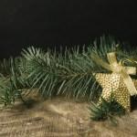クリスマスツリーに飾る星の意味と作り方