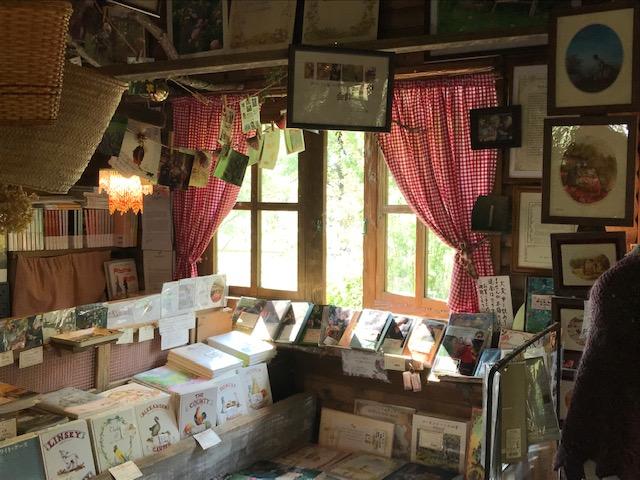 ターシャの家には著書もたくさん!