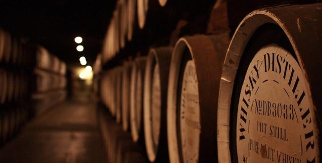 Le site Skyscanner vous propose 3 pays à visiter pour les amateurs de whisky !