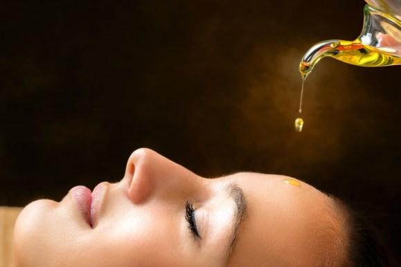 Vitamin E oil for Stretch Marks