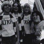 Las chicas de la Curva