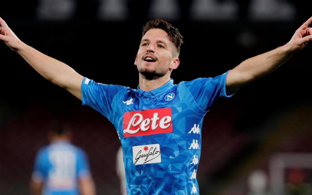 Mertens 'persigue' a Cavani y no descarta seguir en el Napoli