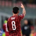 Milan y Sevilla acercan posturas por Suso