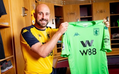 OFICIAL I Pepe Reina abandona el Milan, se marcha al Aston Villa