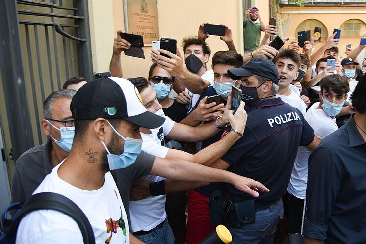 La Juventus declara y se desmarca del caso de la nacionalidad de Luis Suárez