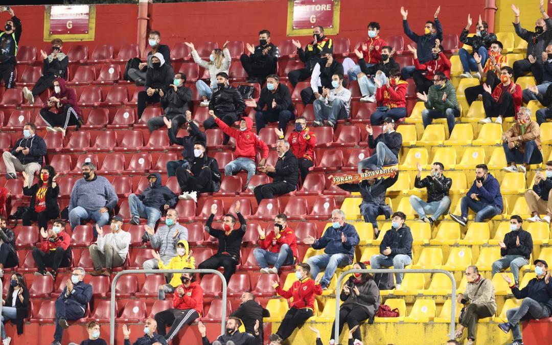 La afición vuelve a los estadios en la Serie A a partir de mayo