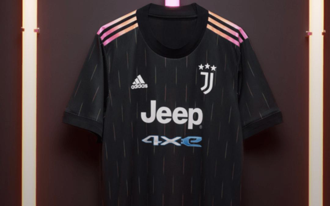 La Juventus presenta su equipación visitante para la 2021/22
