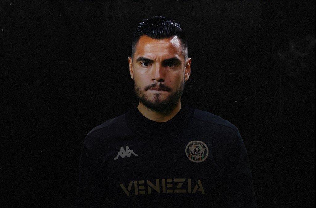 OFICIAL: Sergio Romero ficha por el Venezia