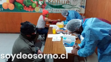Photo of REALIZAN EXÁMENES DE SANGRE EN FERIA DE RAHUE PARA DETECTAR CASOS DE COVID-19