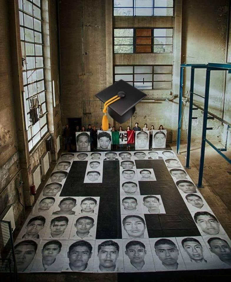 #NosFaltan43: se gradúa la generación de los normalistas desaparecidos de Ayotzinapa