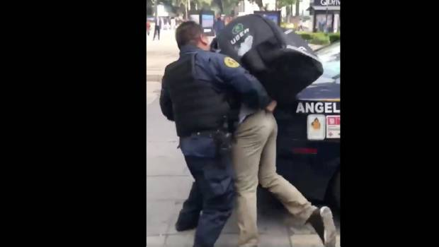 VIDEO: Policías golpearon a repartidor de Uber Eats