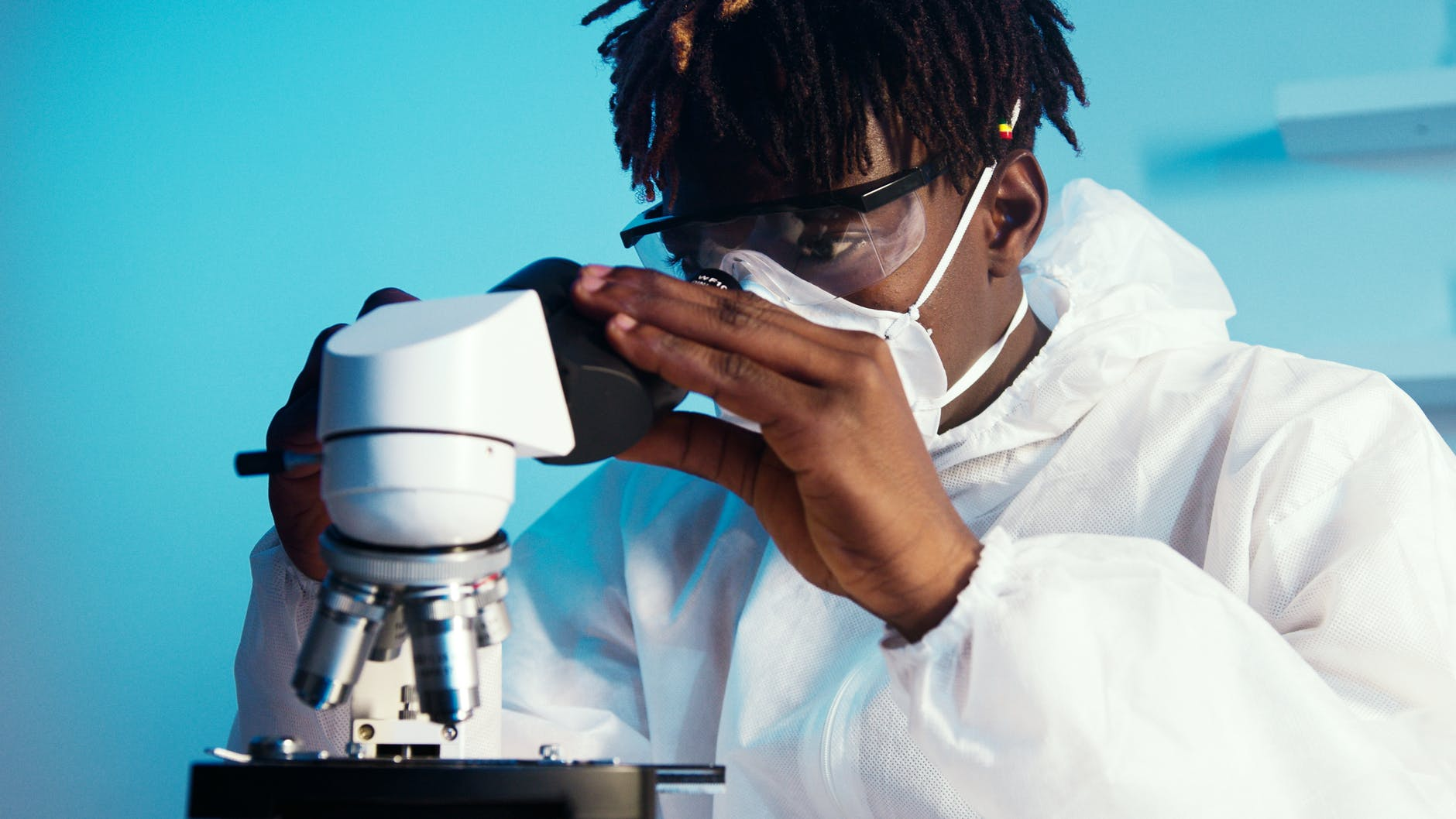 bioMérieux se une a la lucha contra la resistencia antimicrobiana