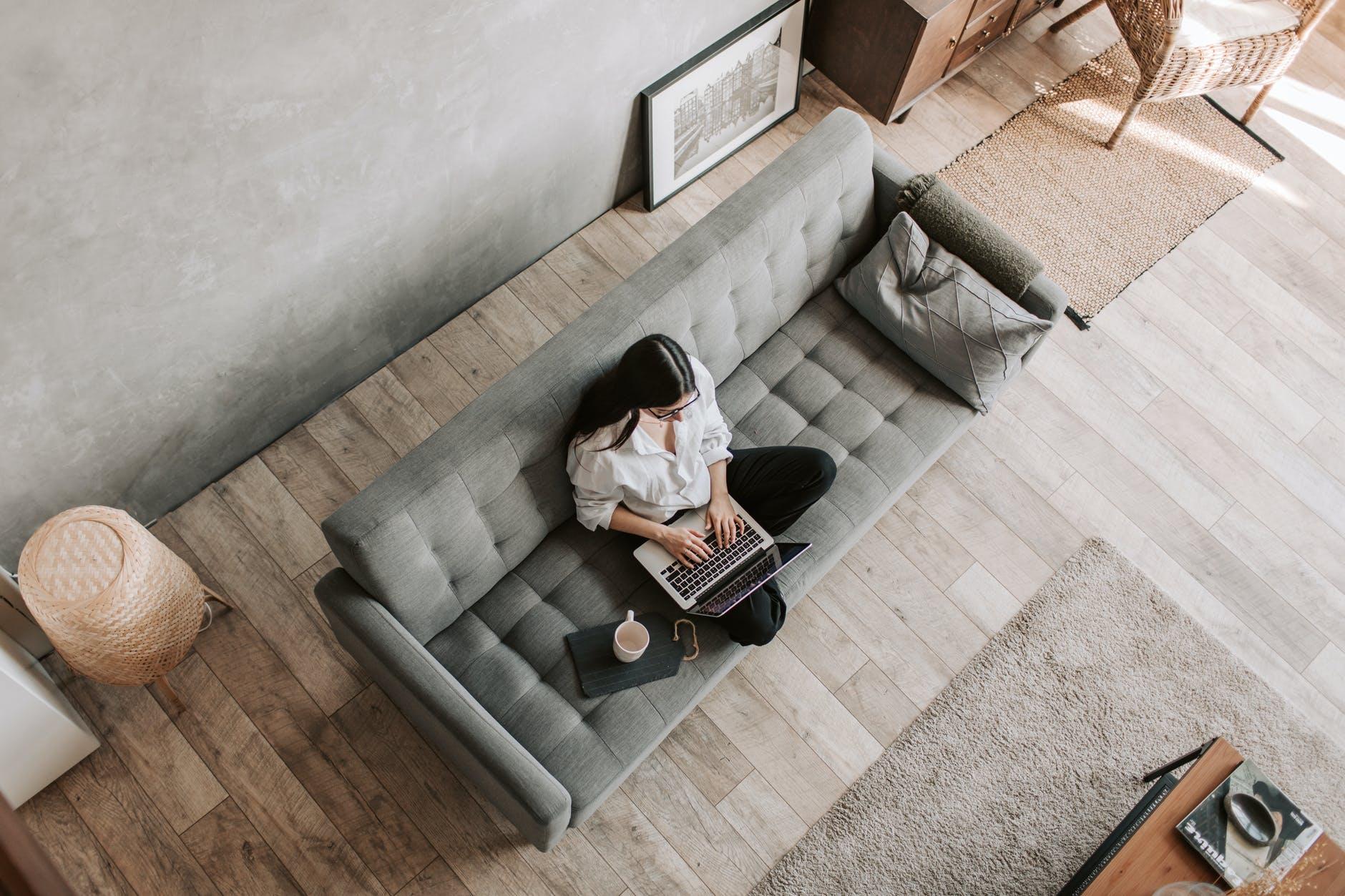 5 tips para manejar la falta de contacto humano al trabajar desde casa