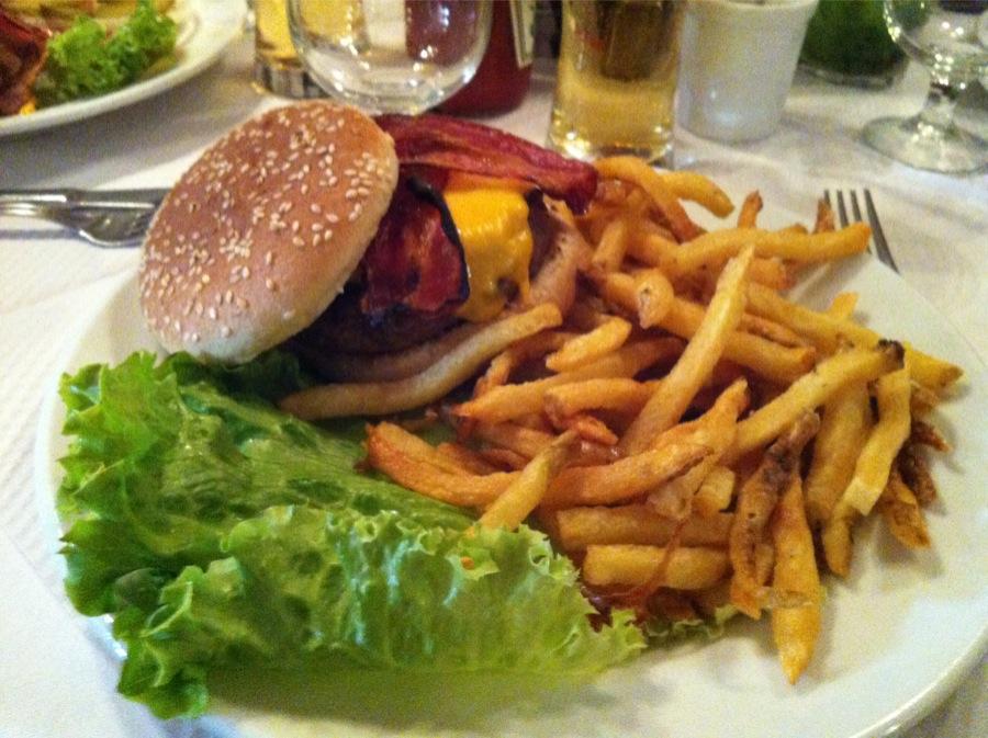 Burger Joe Allen Restaurant cheddar bacon