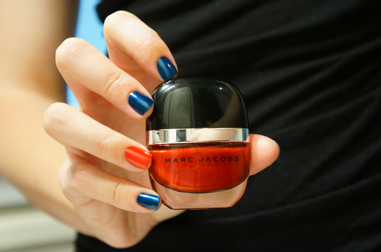 vernis Marc Jacobs blue velvet desire swatch avis test