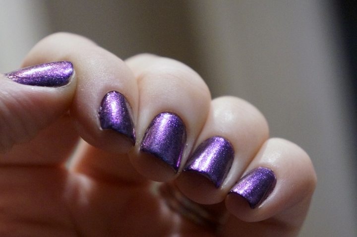 Sephora + Pantone Universe Waterfall Nailpolish Vernis swatch