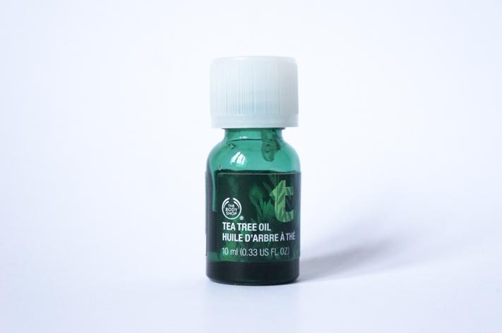 Routine pureté peau contre acné - Huile arbre à thé The Body Shop avis test