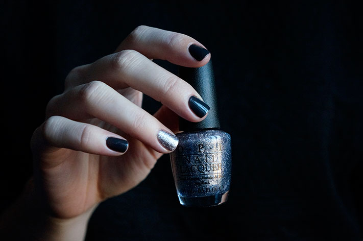 Dark Side of the Mood - Shine for Me - OPI Fifty shades of Grey collection swatch