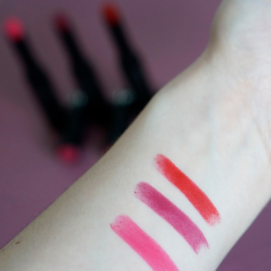 Rouge longue tenue Sephora semi mat test avis swatch 13 Pink sunset - 21 Meet my pink - 19 Pure red - matte