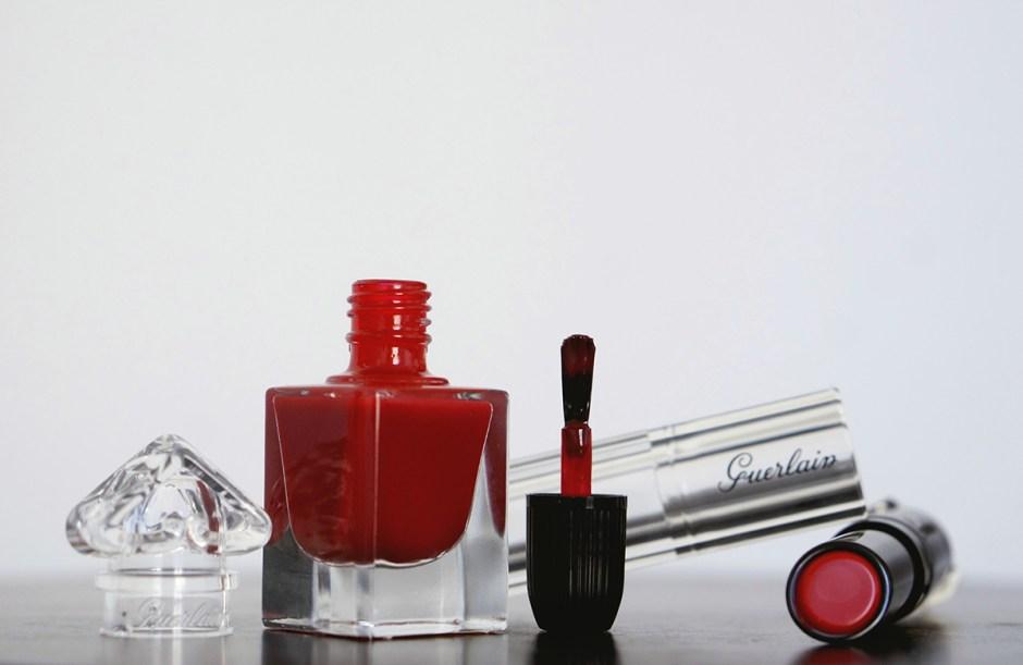 Petite Robe Noire makeup swatch avis