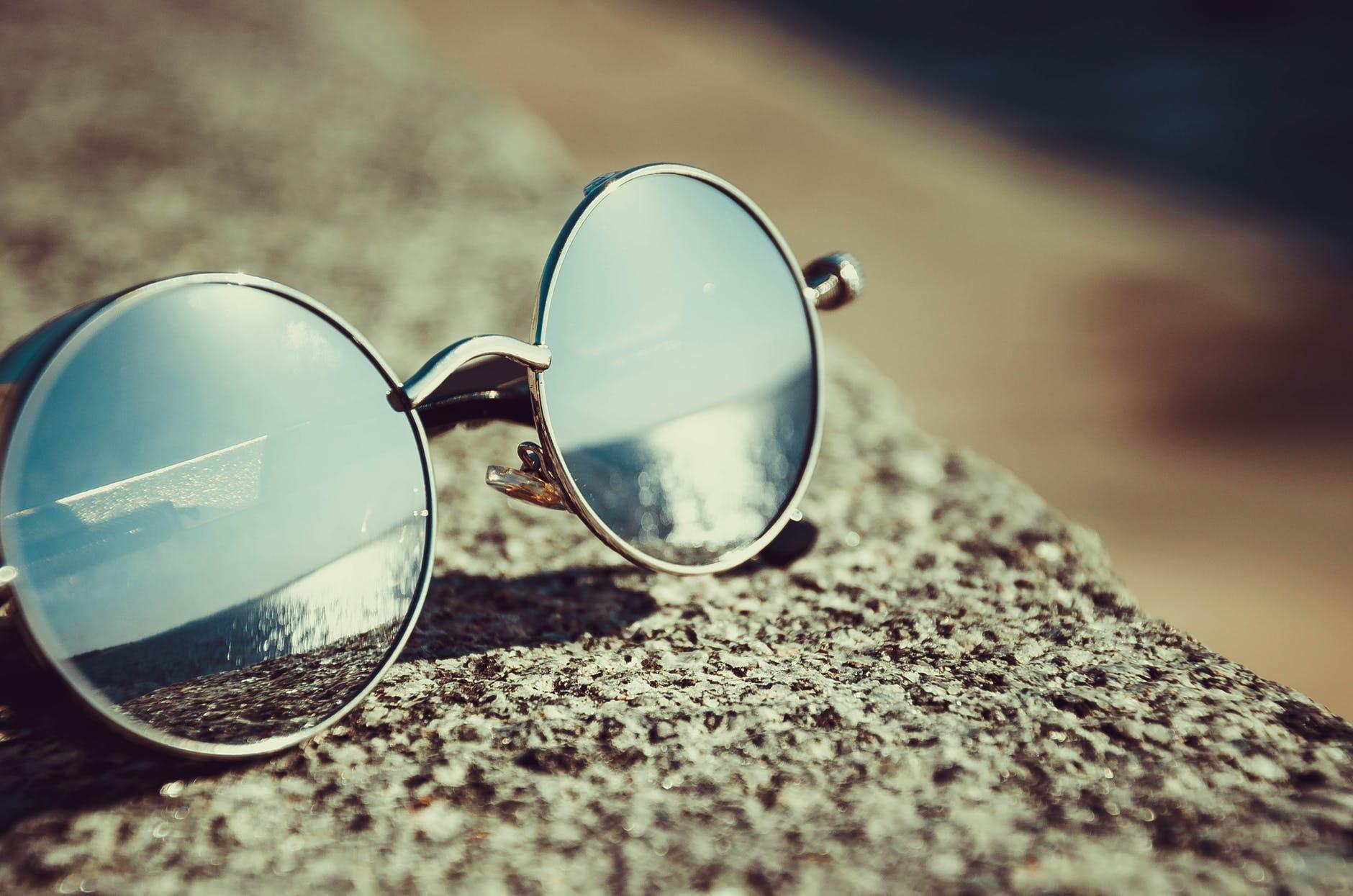 pexels photo 343720 - Consejo Covid19 - Cómo hacer una correcta limpieza de las gafas con seguridad