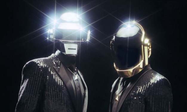 Daft Punk imita la expectación que genera Apple