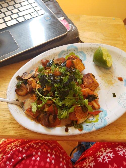 Vegan breakfast scramble by soyvirgo