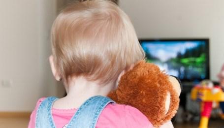 vliyanie-televizora-na-rebenka