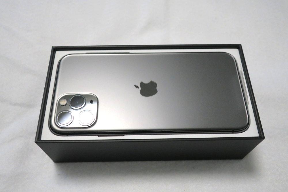 iPhone 11 Proの本体が