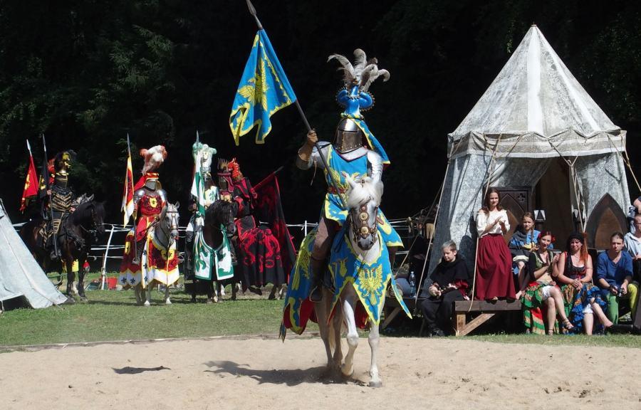 knight-1506878