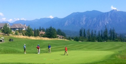 Former Seahawk Jordan Babineaux and this golf partners at TPC Snoqualmie Ridge 18th hole.