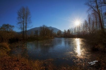 Frozen Snoqualmie River at Three Forks Dog Park. Photo by Don Detrick
