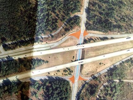 Preferred traffic improvement solution at the I-90/SR interchange: Diverging Lanes