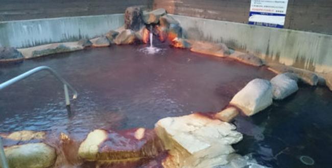 「辰頭温泉 きめ細かい泡がたくさんある天然の炭酸泉をぜひ体験してほしい」のアイキャッチ画像