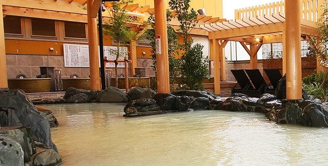 「RAKU SPA 鶴見 岩盤浴にはプラネタリウムもあり幻想的」のアイキャッチ画像