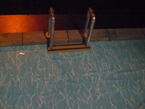 Zwembad-decor, Alberdingk Thijm