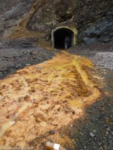 An entrance to the mines | Një hyrjë në galeritë e minierës