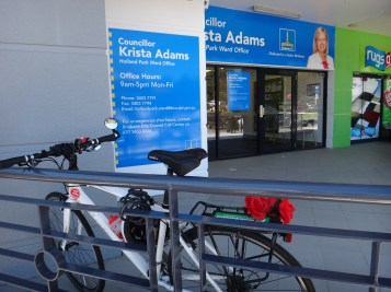 Holland Park Ward office at least has this railing, but riding through the carpark to get there is quite a trip