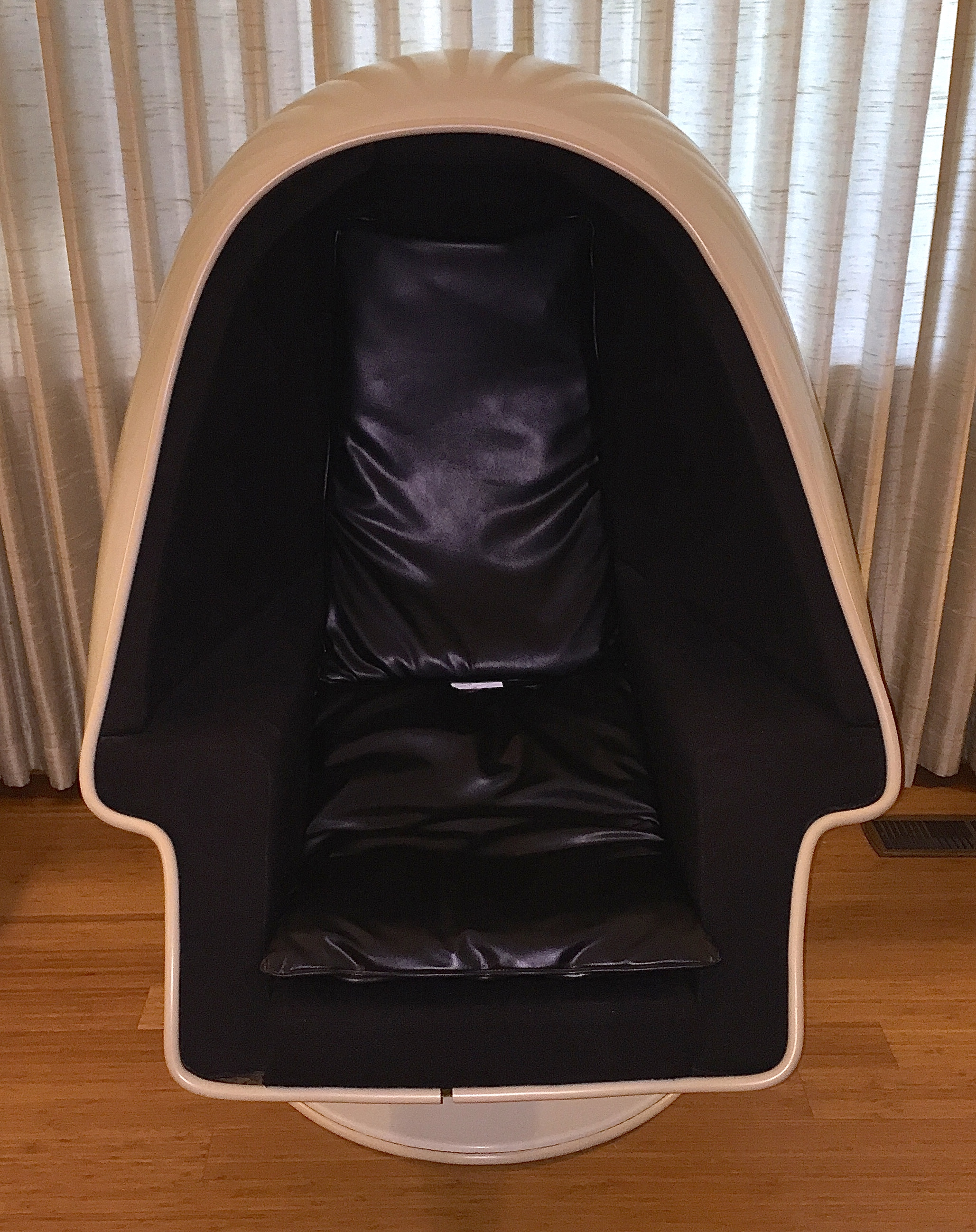 Alpha Egg Chair 1970s Original Lee West Alpha Chamber Egg Chair Made