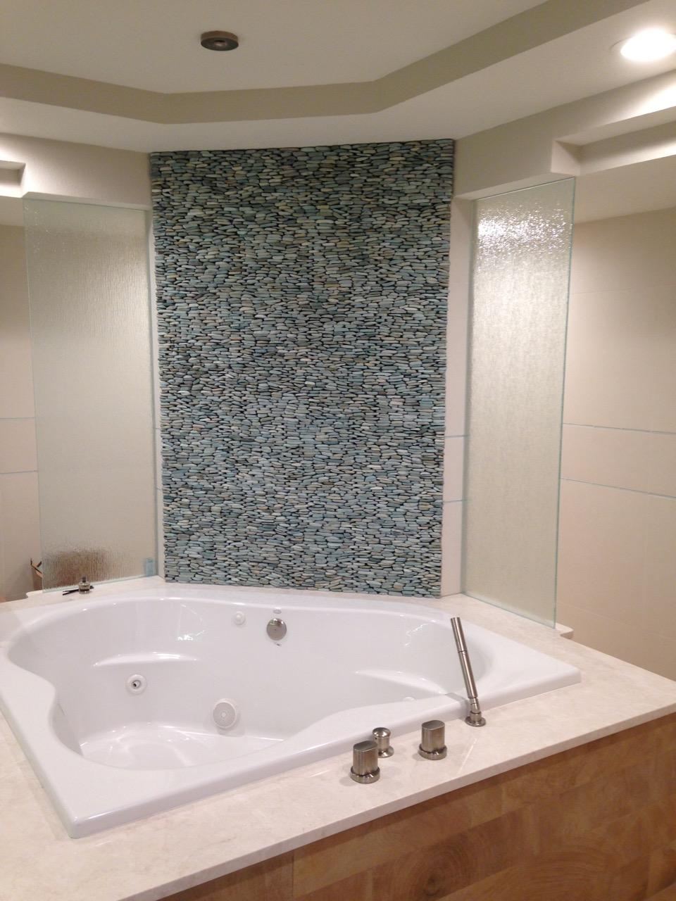 master-bath-tub-2