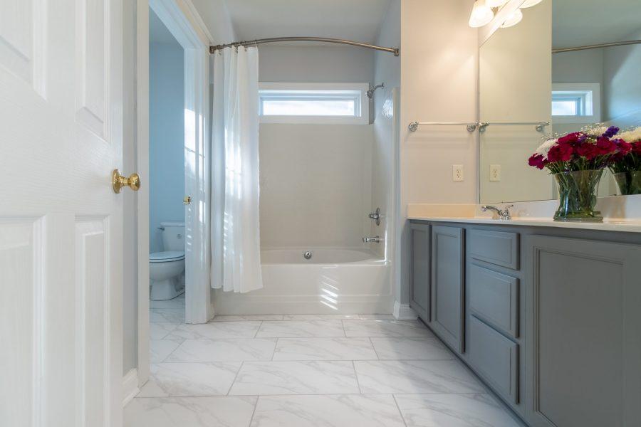 326 center dr master bathroom