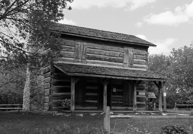 Pre-industrial revolution log cabin built in Ohio in the early 1800s. (Credit: J. M. Snead.)