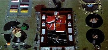 The Wall d'Alan Parker : les murs de l'enfermement mental et les fantasmes d'un ordre établi/ the Walls of Mental Confinement and the Fantasies of an Established Order