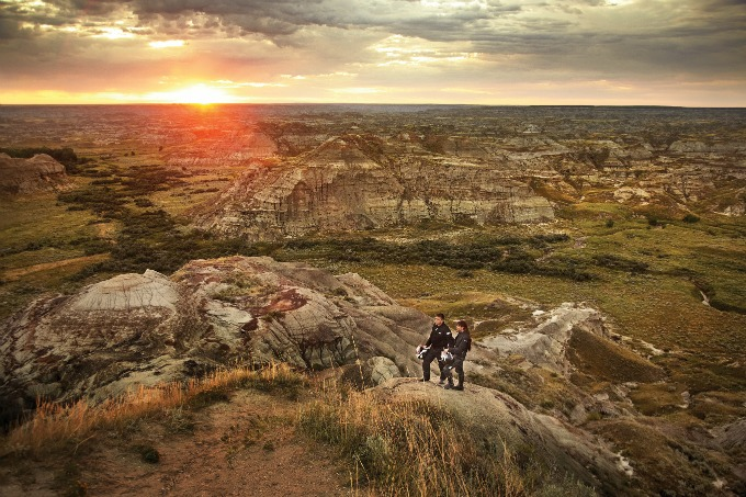 The stunning scenery of the Canadian Badlands in Dinosaur Provincial park  #AlbertaDinosaurs