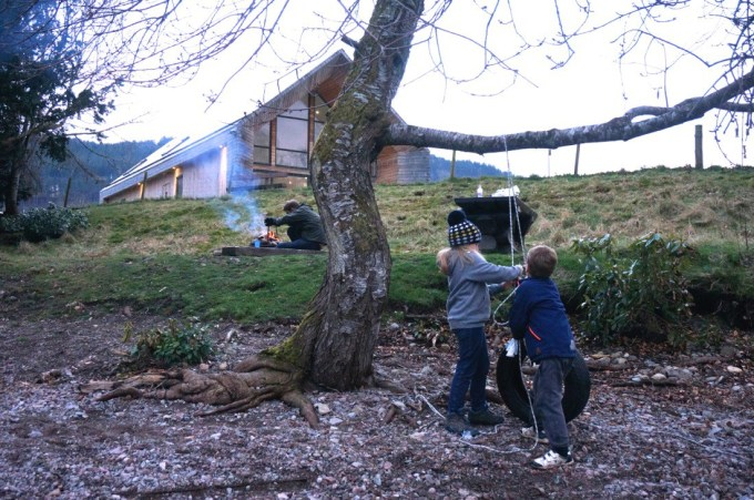 Loch Ness Shores has campfire pits, motorboat hire and is right on the shore of Loch Ness.