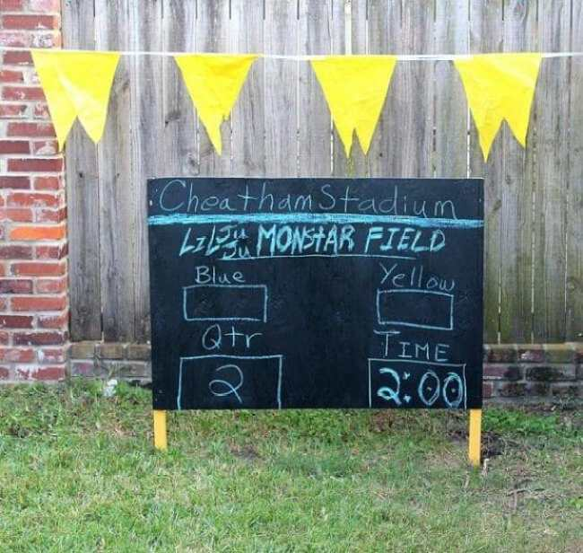 Take your backyard football to the next level with this chalk scoreboard!
