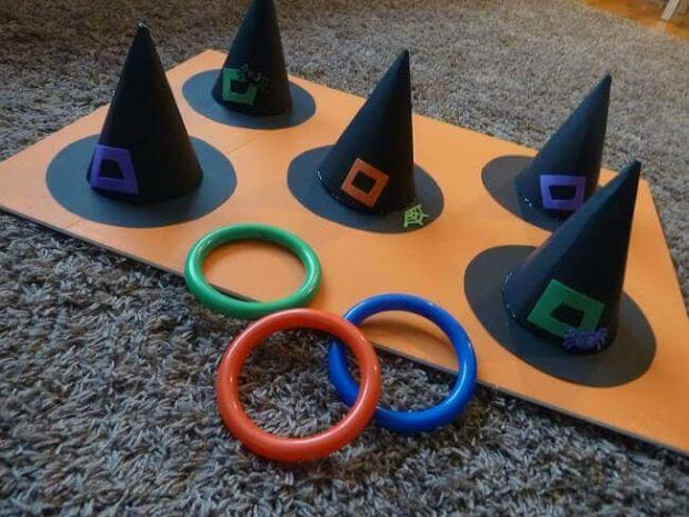 21 halloween party games