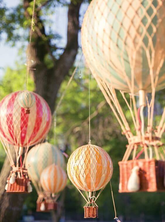 Balloon Light Bulb