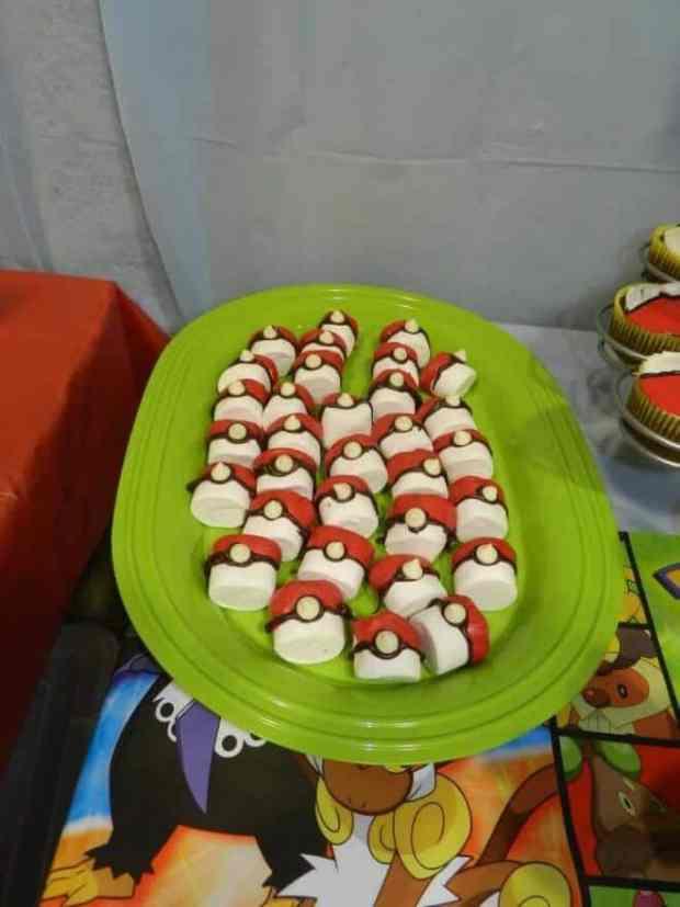 Pokeball Marshmallows