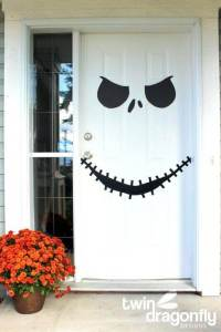 19 Halloween Door Decorating Ideas that are Hauntingly ...